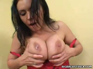 Breasty angelica ramonée