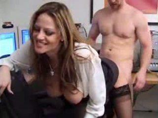 Slutty sekretarka flirts z jej szef wideo
