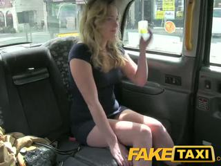 Faketaxi uzbudinātas jauns pusaudze takes par vecs dzimumloceklis