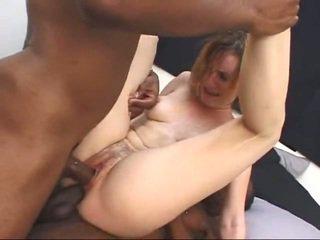 Valge milf gets screwed poolt two suur mustanahaline cocks