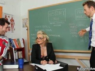 Phoenix marie has een twin dicking van james deen en coach