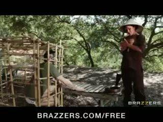 كبير الثدي, تقبيل, brazzers