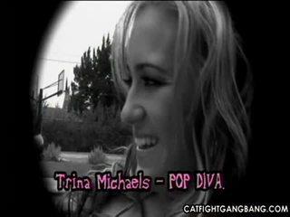 Krūtainas pornozvaigzne trina michaels