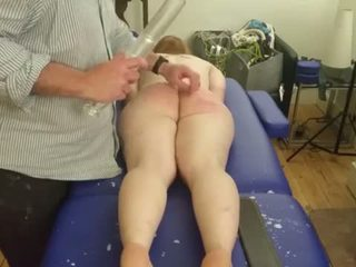 caning, whipping, klisteer