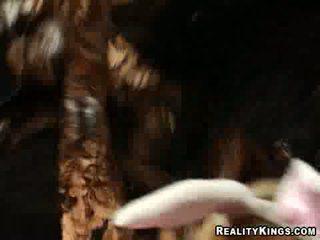 Naakt meisjes met bunny tails krijgen paid naar worstelen bij cash talks