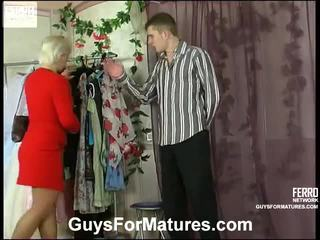 porn meitene un vīriešu gultā, porn in and out action, vecs jaunietis, sex