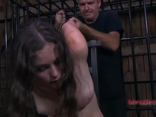 Chavala gets su coño engorged