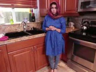 Ada gets su arab coño filled con corrida