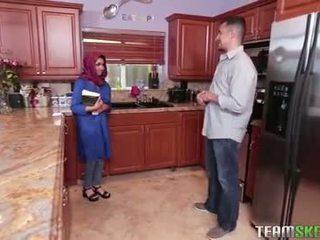 Barmfager arab tenåring gets en hot sæd filling