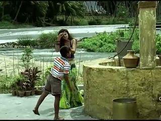 Nayanthara hot navel og pupper kavalkade