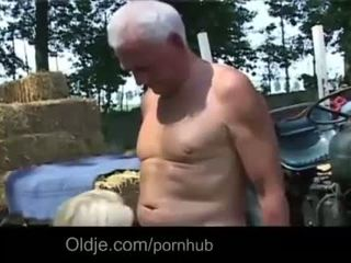 nepieredzējis cock, big boobs, doggystyle