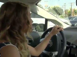 자동차 주무르기 동안 driving