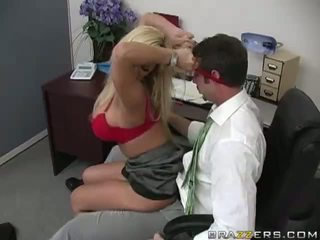 Shyla stylez gets anally knullet av henne co-worker video