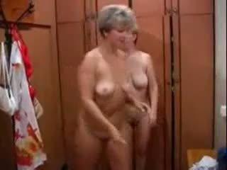Rijpere russisch seks in een bathhouse