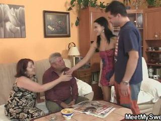 彼の gf seduced バイ 変な parents