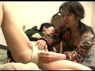 Freaks no naturāls 119 japānieši grannys apakšbiksītes rubbing 1