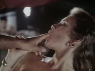Nikdy alone 1984: volný dospívající porno video ca