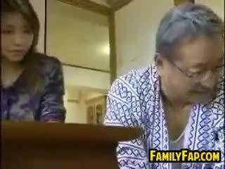 اليابانية, القديمة + الشباب, المتشددين