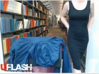 Naakt in publiek bibliotheek tenger blondine amateur tiener op webcam