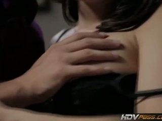 đầy đủ brunette, kiểm tra bộ ngực to đầy đủ, xem cowgirl