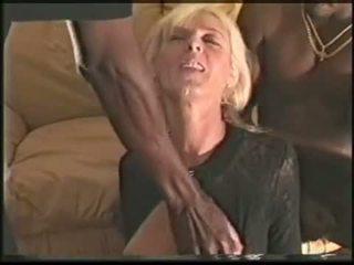 Zralý houpá manželka loves černý cocks video