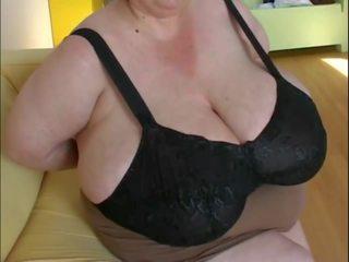Le chupan las tetas ein mi tia la gorda, porno 17