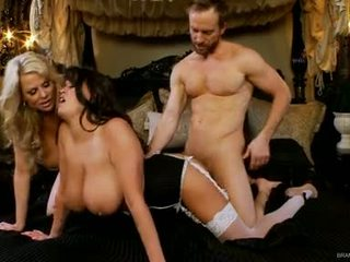 Brandy taylor and kelly madison fuck hard with one schlong