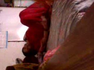 পাকিস্তানী গৃহিণী মধ্যে ঠকানো ব্যাক্তিগত ভিডিও