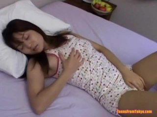 Azijietiškas paauglys masturbacija