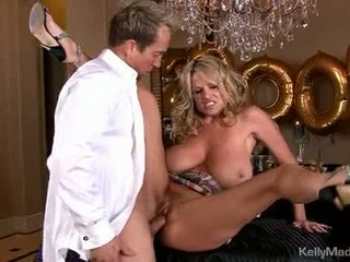 Dong loving kelly madison acquires a mouth full off jago