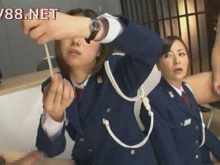 Japānieši female cietums guards jāšanās viņu inmates