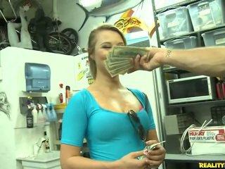 Jmac convinces lindsay ל ללכת כל the דרך ל a כסף