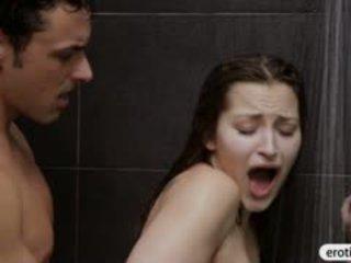 Σέξι μωρό dani daniels blowjobs και πατήσαμε σε ο μπάνιο