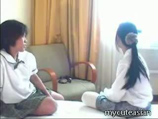 الهاوي, في سن المراهقة, الآسيوية