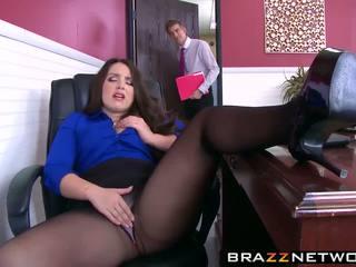 Besar butty bos lola wants untuk menjadi kacau seperti sebuah perempuan cabul dia