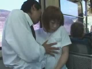 Reif japanisch vollbusig mutter befummelt und gefickt im bus video
