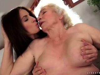 Nonne e adolescenza lesbica compilation