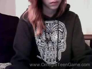 Ryanne plays omegle lojë në kamera kompjuterike