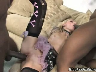 Trashy Faye Runaway rides this dick up her slit
