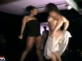 Črno ženske grope & stroke male stripper mystery