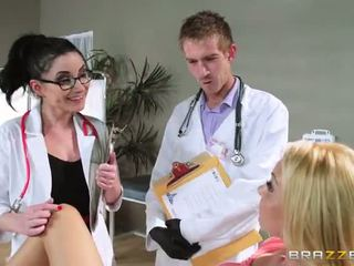 সঙ্গে aaliyah প্রেম s regular physician retiring সে