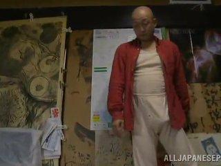 Bigtitted 摩洛伊斯兰解放阵线 has shaged 由 她的 bald hubby 在 一 卧室