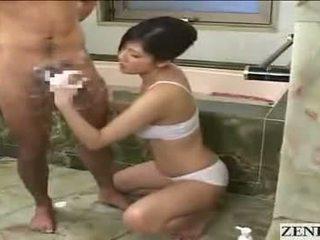 Japānieši māte gets sejas masāža