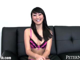 Sexy chinees tiener pov pijpen en sperma slikken