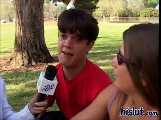 Ryan spared geen tijd bij naar maken een dwerg sperma