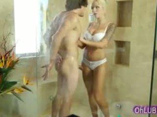 nagy mellek, blowjob, zuhany