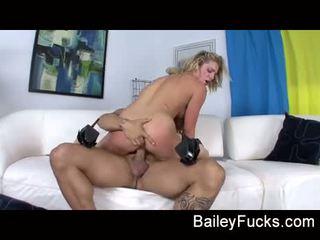 Bailey blue gefickt