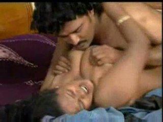 Indieši mallu aktrise enjoying ar costar uz bluefilm daļa 2