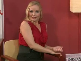Carmen croft takes তার raiment বন্ধ মধ্যে thowdys সাক্ষাতকার
