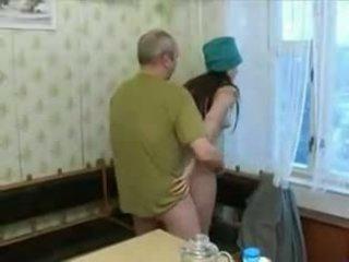 Горещ 19 yo тийн screwing an стар мъж!